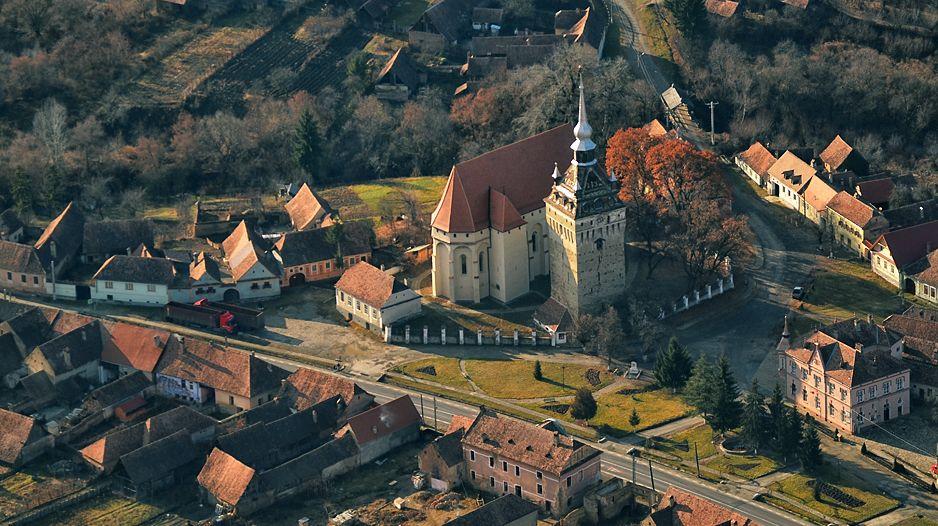 Ansamblul Bisericii Fortificate Din Saschiz Beneficiaza De